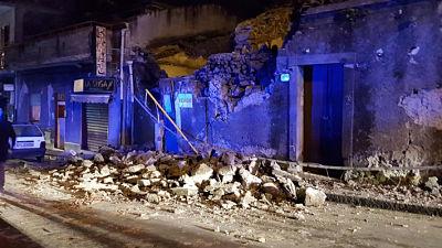 Sismo producto de actividad volcánica deja heridos y severos daños en la ciudad italiana de Catania
