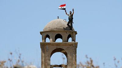 Fuerzas gubernamentales sirias entran en Manbij tras la solicitud de protección de los kurdos