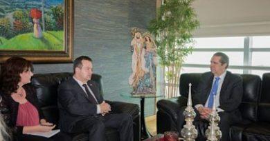 Ministro de Relaciones Exteriores de Serbia elogia desarrollo turístico de RD