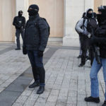 """""""Chalecos Amarillos"""": Detienen a 278 personas para impedir actos violentos durante protestas en París"""