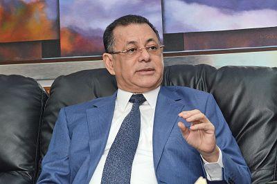 """Superintendente del Mercado de Valores """"le echa el ojo"""" a comisiones de las AFP"""
