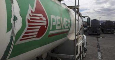 México planea aumentar 45% la producción petrolera
