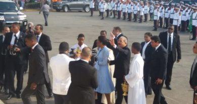 HIGUEY: DM, Abinader, Ramfis Trujillo y Amable asisten a misa en la Basilica