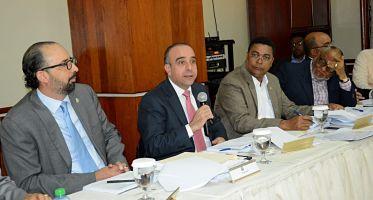 Comisión presenta avances con Ley de Régimen Electoral
