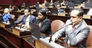 Diputados devuelven a comisión proyecto de comercio ilícito y falsificación
