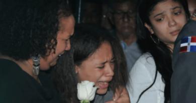 Hija del coronel ultimado en Baní pide justicia