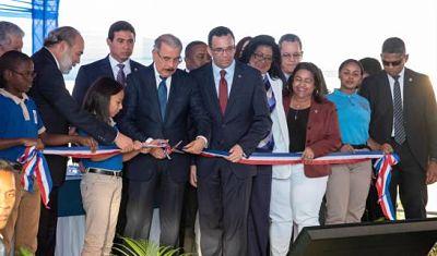 Presidente Medina entrega Centro Educativo Marañón I en Sabana Perdida