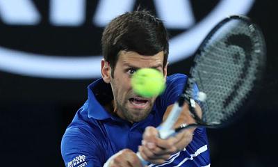 Djokovic y Zverev avanzan en Australia; Thiem es eliminado
