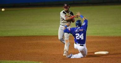 El Escogido, con 5 hits de Luis Valenzuela, extiende la agonía del Licey