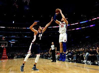 Griffin tiene 44 puntos en su regreso contra los Clippers