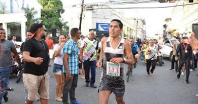 Mora y Martínez conquistan maratón