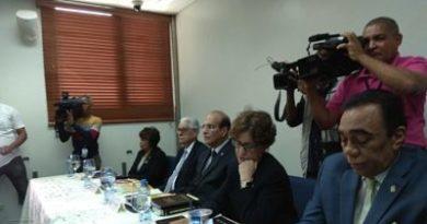 Pleno de la JCE se reúne con representantes de partidos que realizarán primarias