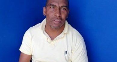Concejal denuncia alcalde de Villa Almácigos lo amenazó con un arma de fuego