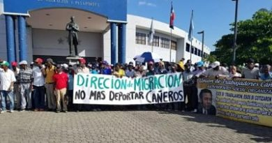 Protestan ante DGM por deportación de cañeros haitianos