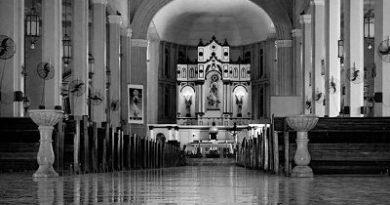 27 muertos y 77 heridos en un doble atentado con bomba en una catedral en Filipinas