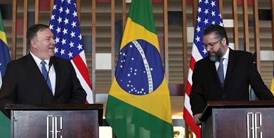 Mike Pompeo habló de la crisis en Venezuela con Ernesto Araújo, el nuevo canciller de Brasil