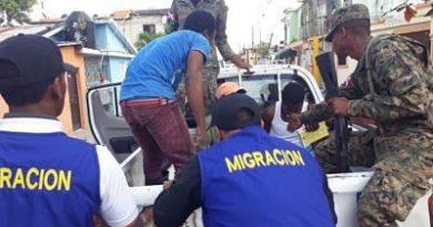 NAGUA: Migración detiene 137 haitianos en condición irregular y deporta 122