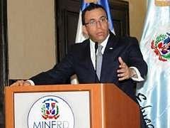 Andrés navarro anuncia sus aspiraciones a la presidencia del país