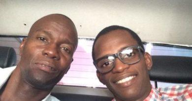 Hijo del presidente haitiano Jovenel Moise entra RD fuertemente custodiado