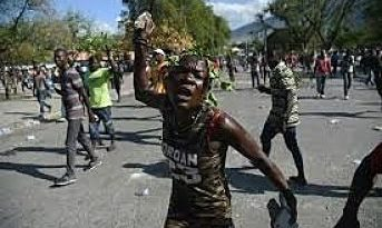 Matan a dos choferes y un policía en Haití en medio de tensión por crisis