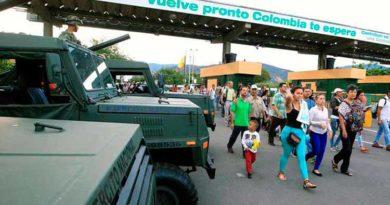 Colombia cierra pasos fronterizos con Venezuela por 48 horas para evaluar daños