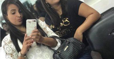 Muere una joven y otra resulta herida al ser impactadas por camión en la autopista Duarte