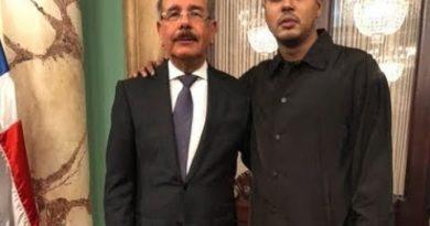 Influencers , Youtubers y comunicadores visitan al presidente Medina