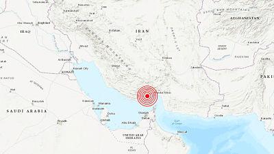 Habitantes de Dubái graban los efectos de un sismo de 5,3 con epicentro en Irán