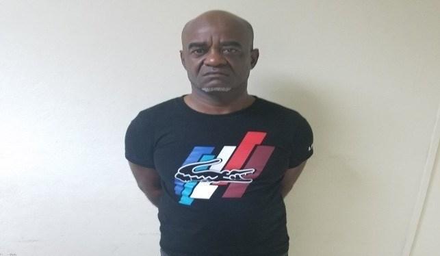 Policía apresa hombre que estafó a varias personas prometiendo visados