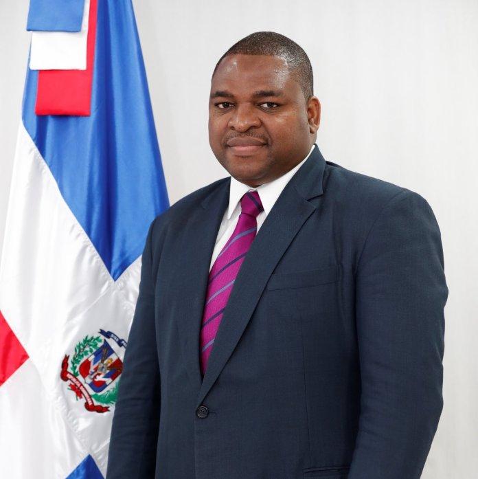 CONOCER MÁS DE ESTO :Raúl Germán presenta candidatura a la presidencia del Colegio Dominicano de Periodistas