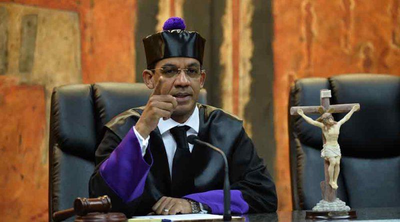 Juez Ortega rechaza designación peritos a Conrado Pittaluga; recesó hasta el lunes