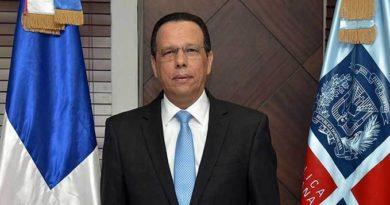 Ministro de Educación dispone investigación sobre exsacerdote que impartía clases en Punta Cana