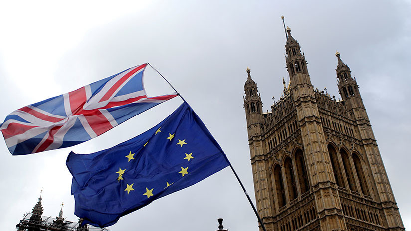 Theresa May solicita una prórroga breve a la Unión Europea para salvar el Brexit