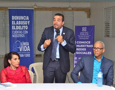 ATENCIÓN MUY IMPORTANTE: Fiscal Titular SDE acuerda plan de acción con comunitarios de San Isidro para prevenir delitos y reducir criminalidad en esa zona