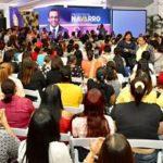Andrés Navarro reafirma compromiso de trabajar por igualdad de la mujer