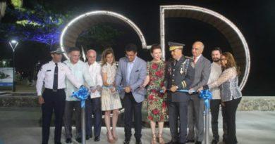 """SE ANOTÓ UN VIRAO: Alcalde del Distrito Nacional inaugura proyecto """"Paseo Marítimo"""" en el Malecón"""