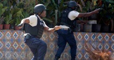 Canciller de Haití lamenta ante embajador chileno ataque armado en su contra