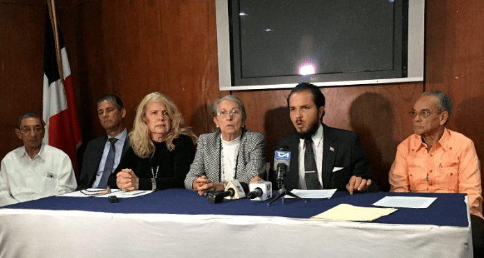 Familiares de Claudio Caamaño Grullón afirman proceso judicial contra clínicas esta estancado