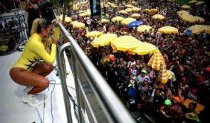Colombiana Karol G sacude el Carnaval de Sao Paulo al ritmo del reguetón