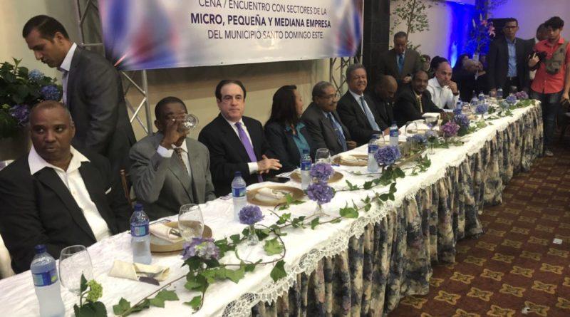 Leonel Fernández: modelo informal del comercio debe ser transformado