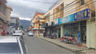 DELINCUENCIA ;Desconocidos atracan central de bancas OM en Jarabacoa, cargan con casi un millón de pesos