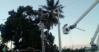 EDESUR RESTABLECE SUMINISTRO ELÉCTRICO EN ACUEDUCTO Y ELECTROBOMBAS DE PROYECTO AGRÍCOLA AZUA