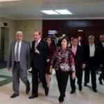 """EL INTERÉS LOS DIVIDE ; El """"arrastre"""" de diputados y senadores divide legisladores"""
