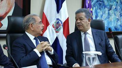 El PLD, atrapado entre el caudillismo de Leonel Fernández y Danilo Medina