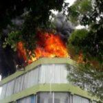 FUEGO: Incendio afecta tienda de electrodomésticos Multi Muebles en La Vega