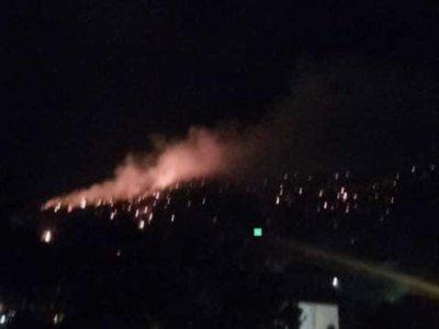FUEGO ! Loma de Guaigüi sigue en llamas