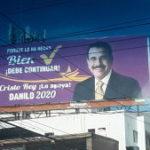 HABEMUS REELECCIÓN; Vallas promueven repostulacion del Presidente Medina .