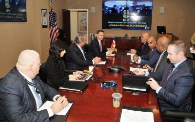 Jean Alain Rodríguez se reúne con el Procurador General del Distrito de Nueva York