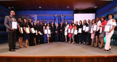 Leonel Fernández entrega los premios Funglode/GFDD 2018