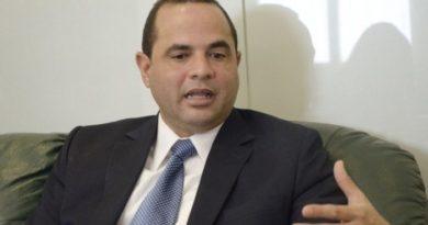 Manuel Crespo plantea la necesidad de ponerle tope al progresivo endeudamiento del país